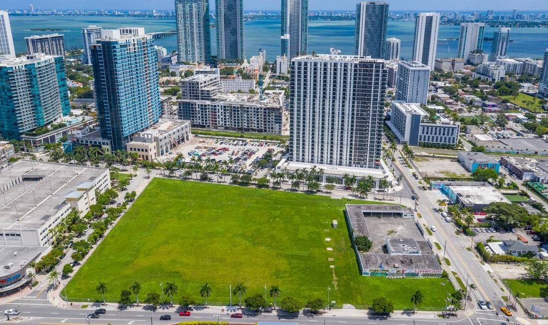 ORGANIC GROCER COMING TO FORMER WALMART SITE IN MIDTOWN MIAMI, ALONG WITH TOWER OF UP TO 36 STORIES